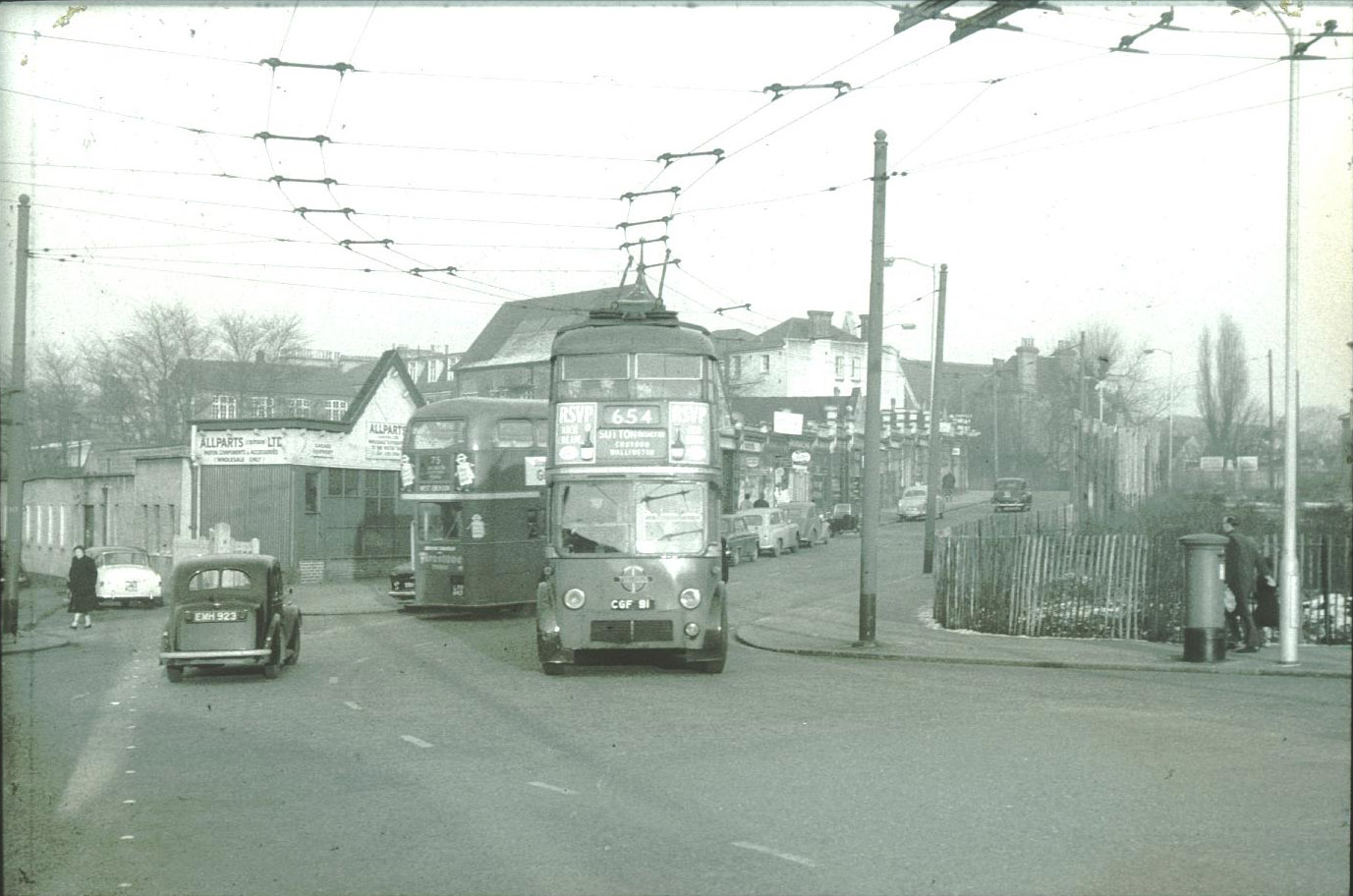 Trolleybus in Station Road, West Croydon