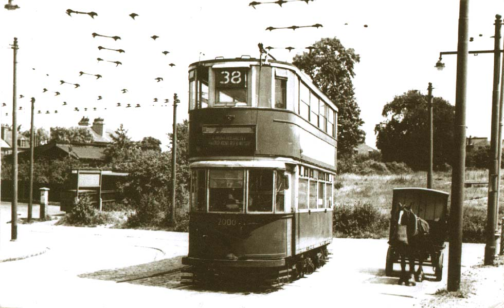 Car 2000 in service at Abbey Wood
