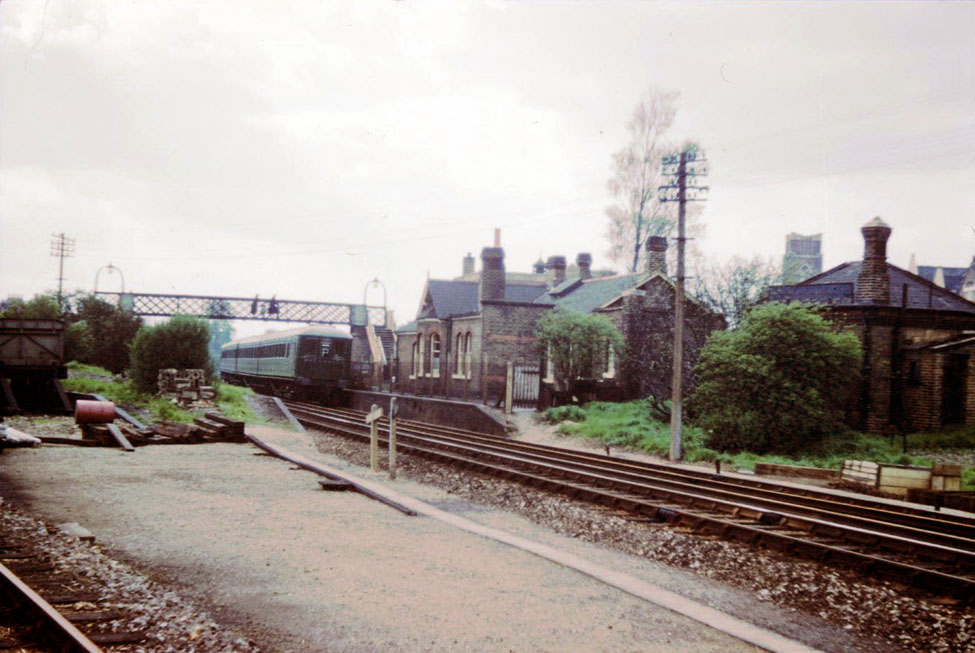 Tooting with the disused Merton Abbey branch platform on the left